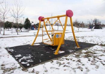 Büyükşehir'den engelli vatandaşlara özel park alanı