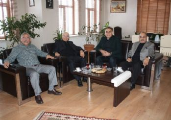 Nevşehir eski Valisi Asım Hacımustafaoğlu Başkan Karaaslan'ı ziyaret etti