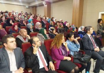 Edremit'te 'İslam'da Kadın ve Ailede Din Eğitimi' konferansı
