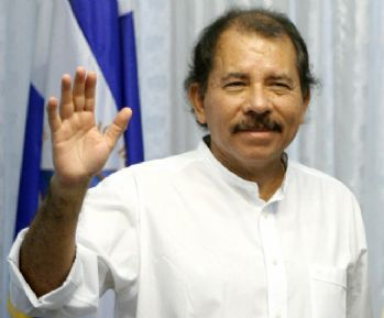 Ortega üçüncü kez yemin etti