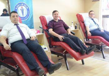 Sağlık-Sen üyelerinden kan bağışı kampanyasına destek