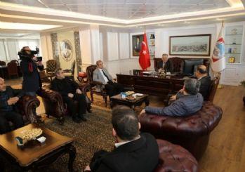 AK Parti Melikgazi Yönetim Kurulu Başkan Büyükkılıç'ı ziyaret etti