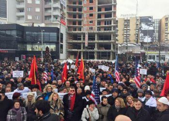 Kosova'da Haradinaj'a destek protestoları yayılıyor