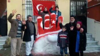 Cumhurbaşkanı Erdoğan için kardan 'Rabia' yaptılar