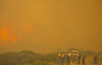 Ümit Burnu'ndaki yangın söndürülemiyor