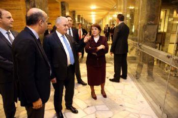 Başbakan Meclis'in bombalanan kısmını gezdi