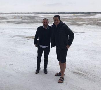Acun ve Sneijder'in uçağı Çorlu'ya indi