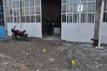 Mobilya atölyesinde silahlı kavga: 2 yaralı