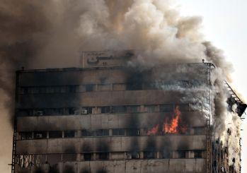 Tahran'da 17 katlı tarihi bina çöktü!