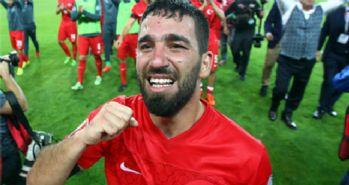 Arda Turan'ın mutluluk gözyaşları