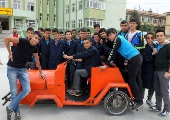Liseli gençlerden yerli otomobil!