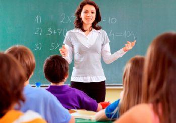 Öğretmenlere üç ay yaz tatili kalkıyor