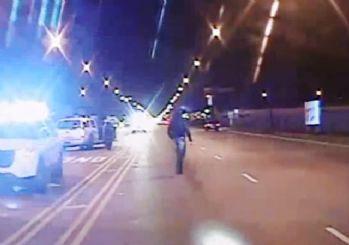 ABD'yi karıştıran polisin siyahi genci vurma görüntüleri yayınlandı