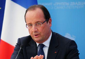 Hollande çağrı yaptı: Evlerinize Fransız bayrağı asın
