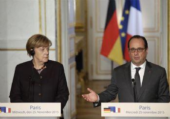 Hollande, Almanya'dan DAEŞ'e karşı daha etkin olmasını istedi