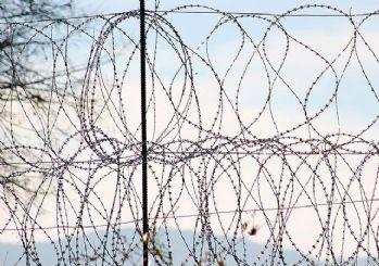 Tunus Libya sınırını kapatıyor
