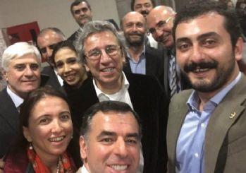 CHP'li vekiller Can Dündar'ı yalnız bırakmadı