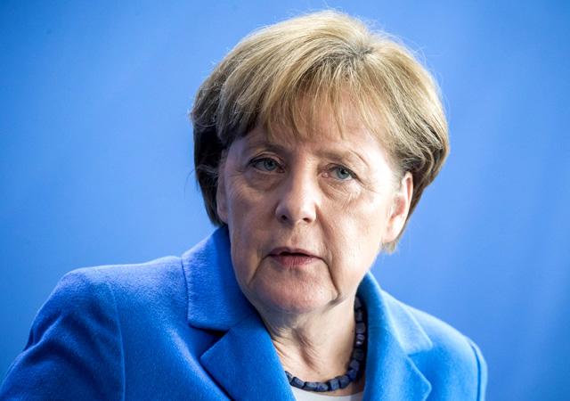 Angela Merkel'den Deniz Yücel tepkisi: Sert ve orantısız