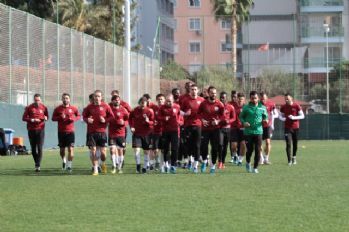 Aytemiz Alanyaspor, Beşiktaş sınavına hazırlanıyor