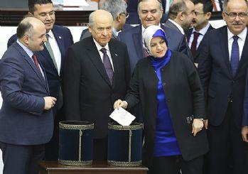 Anayasa teklifinde 14 ve 15. maddeler kabul edildi