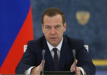 Medvedev, Birleşik Rusya Partisi genel başkanlığına seçildi