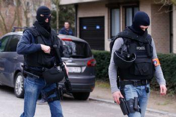 Alman polisinden PKK'ya baskın