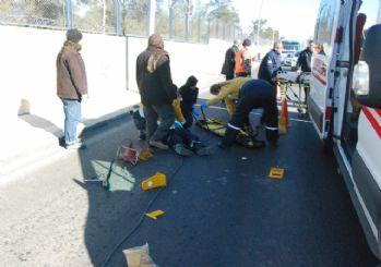 Otomobille taşınan korniş, işçiyi öldürüyordu