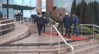 Polis ekiplerinin TÜBİTAK'a giriş anı kamerada