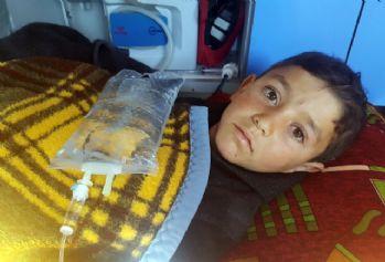 Suriye'de bacakları kopan çocuk Türkiye'ye getirildi