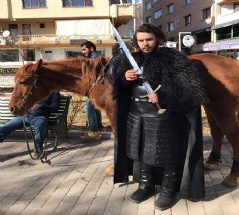Jon Snow Eskişehir sokaklarında