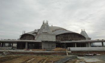 Sakarya'da 10 bin kişilik cami hızla yükseliyor