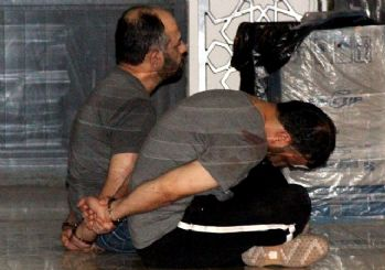 Darbeci albaydan alçak talimat: Sela okuyan imamın dilini kesip getirin!