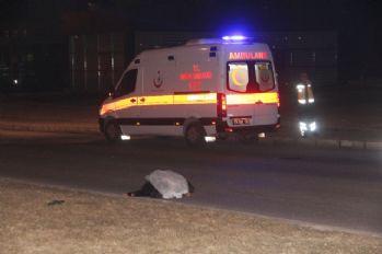 Minibüsün çarptığı babaanne hayatını kaybetti