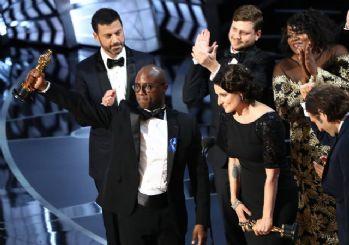 Oscar Ödülleri'nde skandal! Verdikleri ödülü böyle geri aldılar...