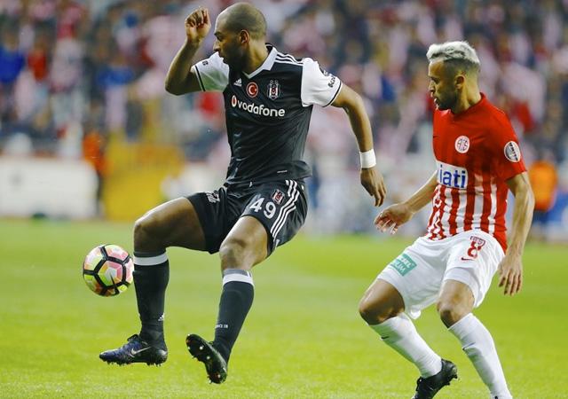 Beşiktaş, Antalyaspor deplasmanında 2 puan bıraktı! 0-0