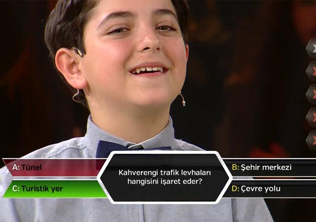 Çocuk oyuncular kimsesiz çocuklar için yarıştı