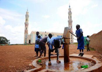 İHH, Afrika'nın unutulmuş bölgelerinde su kuyusu açıyor