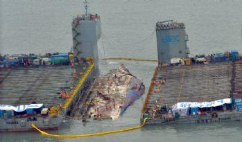 304 kişiye mezar olan batık feribot çıkarılıyor