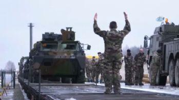 Fransız askerleri Estonya'da