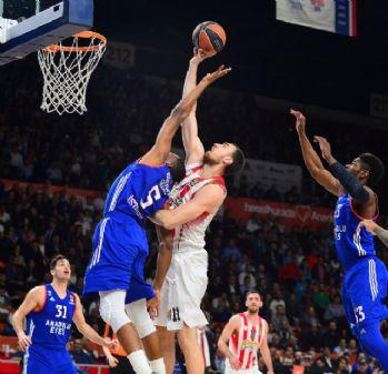 Anadolu Efes, Yunan ekibi mağlup etti
