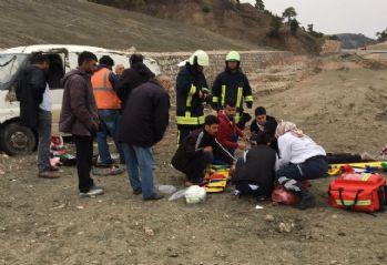 Ticari araç takla attı: 1 ölü, 2 yaralı