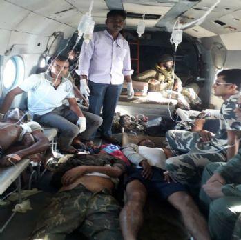 Hindistan karıştı: 24 polis öldü