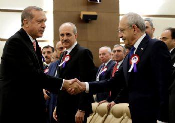 Cumhurbaşkanı Erdoğan, Kılıçdaroğlu ile tokalaştı