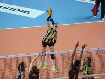 Fenerbahçe, Galatasaray'ı 3-0 yendi