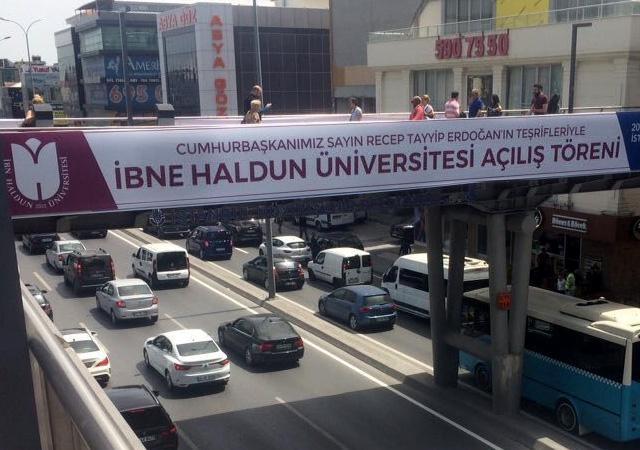 Cumhuriyet'ten afiş skandalı: Photoshop'lu yalan haber