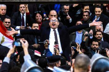 Mısır'da eski Cumhurbaşkanı adayı gözaltına alındı