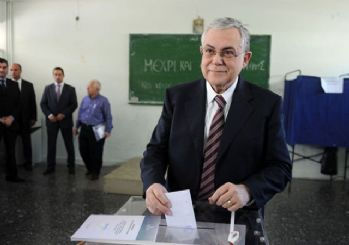 Eski Yunanistan Başbakanı Papadimos'a bombalı zarfla saldırı düzenlendi