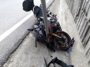 Motosiklet kanala uçtu: 2 yaralı