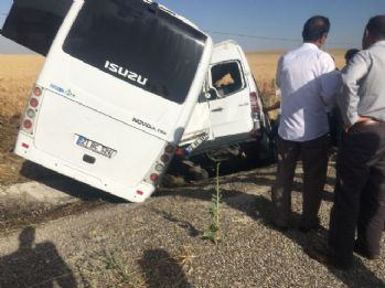 Askeri midibüsle minibüs çarpıştı: Yaralılar var