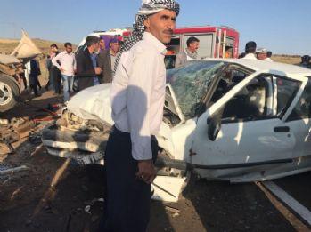 Otomobiller kafa kafaya çarpıştı: 7 yaralı